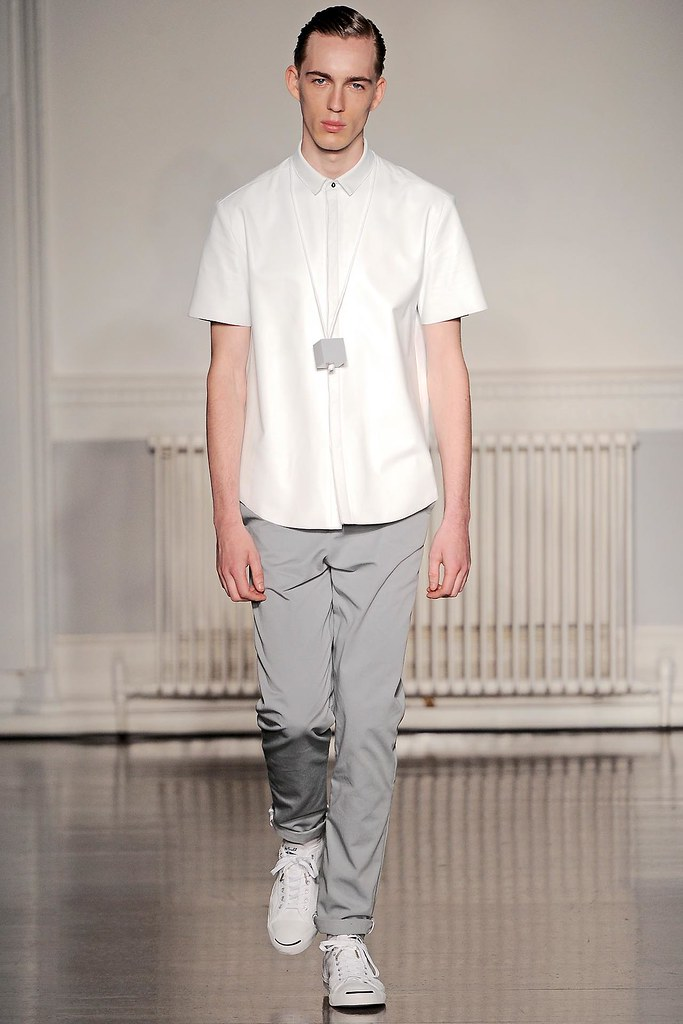SS13 London Richard Nicoll007_Milo Spijkers(VOGUE)