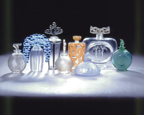LALIQUE-René-ensemble-de-flacons-c-Lalique-SA1