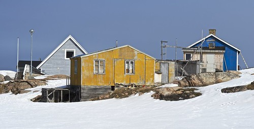 street urban house snow ice yellow landscape greenland afnikkor85mmf18d ilulisat