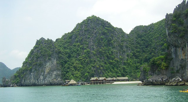 Sandy Bay, Cat Ba
