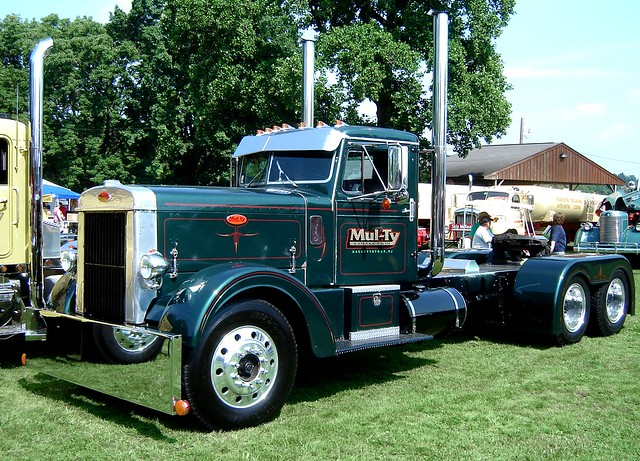 1951 peterbilt 351 flickr photo sharing - Pictures of old peterbilt trucks ...