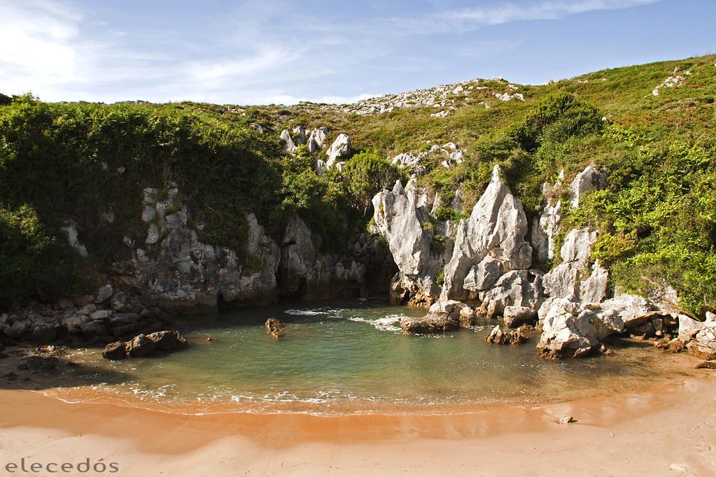 Playa de Gulpiyuri, Llanes, Asturias