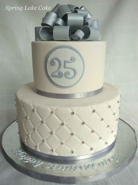 Pictures of 25Th Anniversary Cakes http://www.flickriver.com/photos/24367079@N04/5895522906/