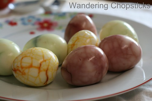 Vegetable-Dyed Crackled Eggs 1