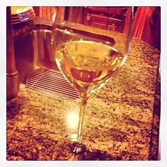 champagne(0.0), distilled beverage(0.0), red wine(0.0), wine glass(1.0), wine(1.0), drinkware(1.0), stemware(1.0), glass(1.0), drink(1.0), alcoholic beverage(1.0),