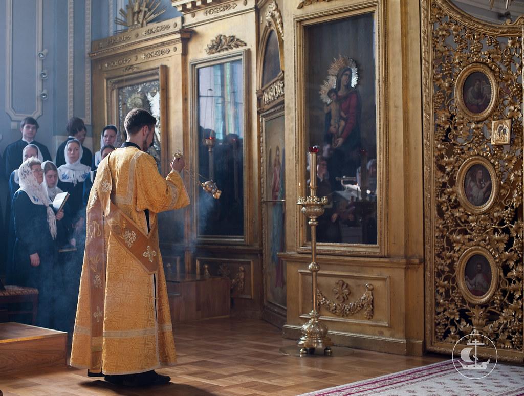 Богородицу и Матерь Света в песнех возвеличим