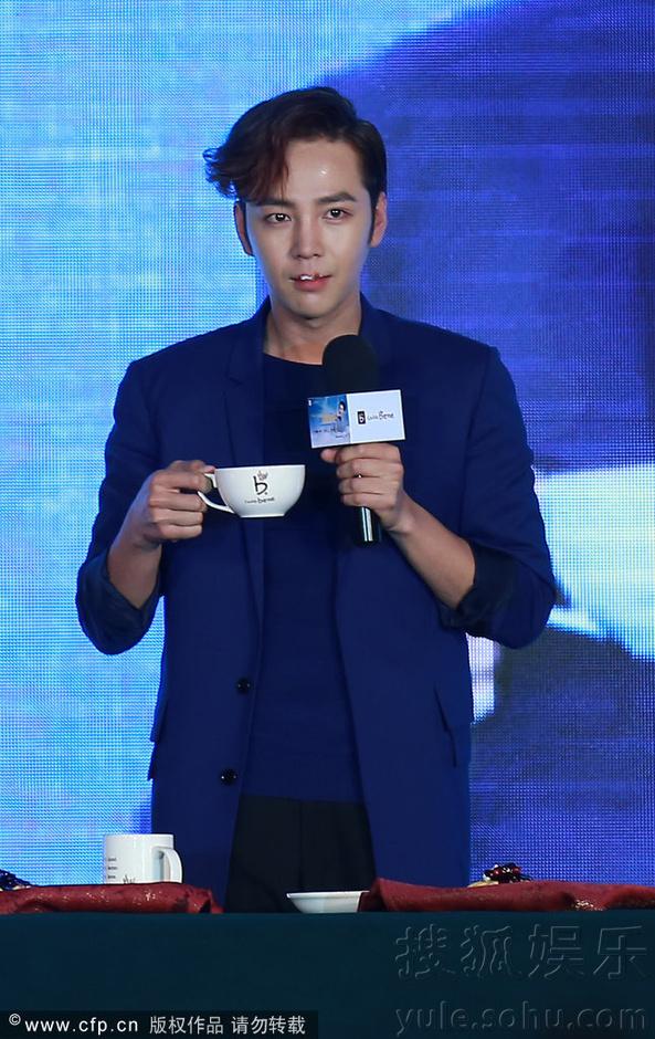 [Pics] Jang Keun Suk Calls For More Charity Work and Be Eco-Friendly At Caffe Bene FM_20140426 14058567304_a3bcb34411_o