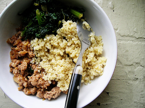 meat greens quinoa bowl