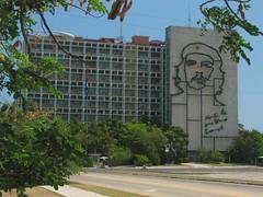 Famous Che image in Homeland Ministry, Plaza district, Havana | La famosa imagen del Ché en el edificio del Ministerio del Interior, en Plaza, La Habana