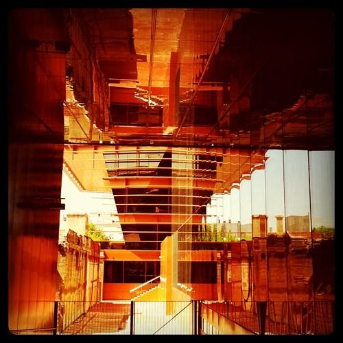 Reflexes a l'edifici de la #CMT. 22@ #Barcelona #Diagonal #arquitectura #iphone