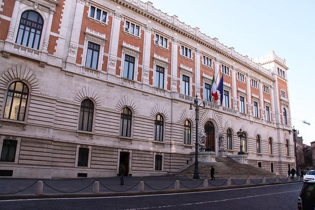 Piazza del parlamento roma lazio italia piazza del for Roma parlamento