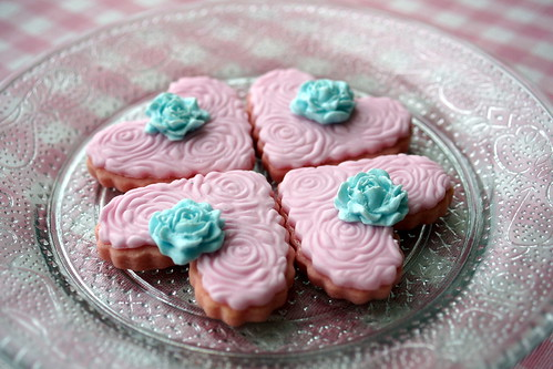 Pink heart cookies by The sugar mice