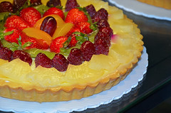 Fresh fruit custard flan