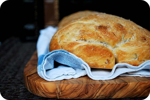 Roasted Garlic & Rosemary Bread