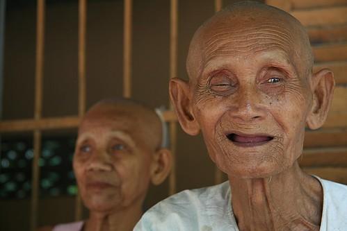 6903191700 5887116708 El único refugio para ancianos en Camboya