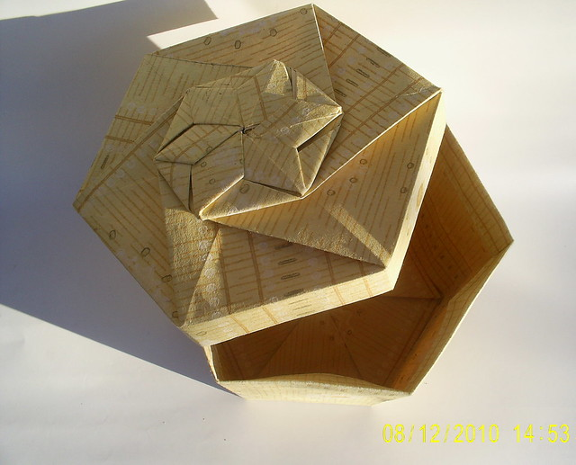 Tomoko Fuse Hexagon Box Instructions : Origami boxes a gallery on flickr