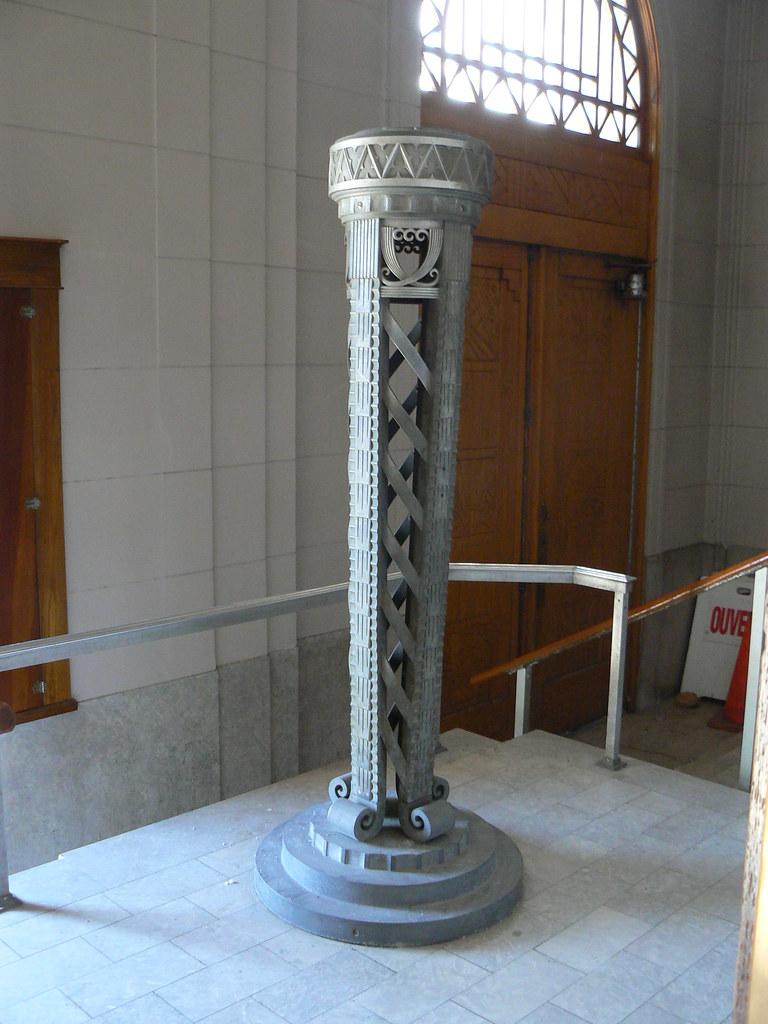 Esprit Art Deco Com Église st-esprit, rosemont   lamp in the entrance foyer of t