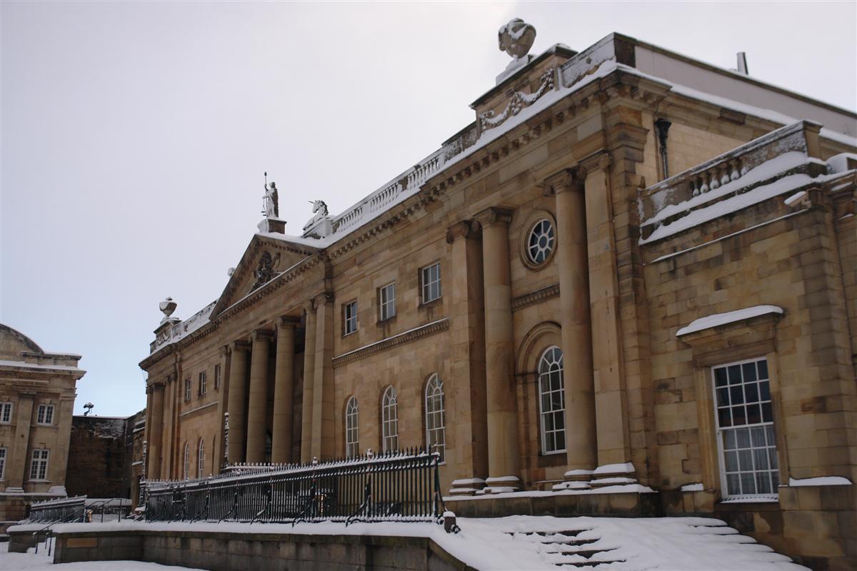 Crown Court Building y Museo de York York, magia e historia tras la nieve - 5273537532 4cd0877c37 o - York, magia e historia tras la nieve