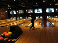 billiard room(0.0), team sport(0.0), recreation room(0.0), individual sports(1.0), sports(1.0), ball game(1.0), ten-pin bowling(1.0), bowling(1.0),