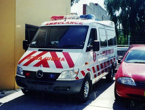 Ambulances 11 23 historic commercial vehicle club of for Mccurley mercedes benz