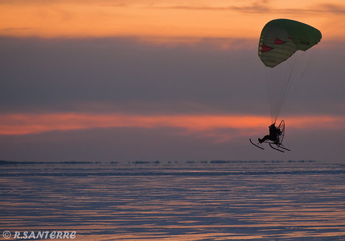winter sunset sport quebec © telephoto troisrivieres paragliding paraglider mauricie stlawrenceriver parapente paramotor freeflying fleuvestlaurent paramoteur ©ronaldsanterre
