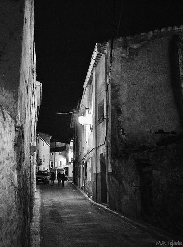 Paseo nocturno. (I)