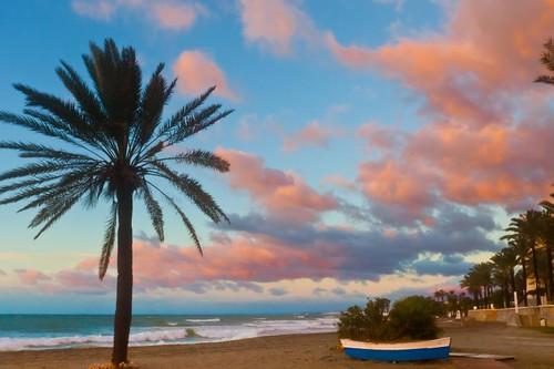 pink blue sea sky costa sun beach nature clouds sunrise dawn boat spain europa europe mediterranean eu andalucia palmtree costadelsol andalusia marbella steveh canonef1635mmf28liiusm canoneos5dmarkii