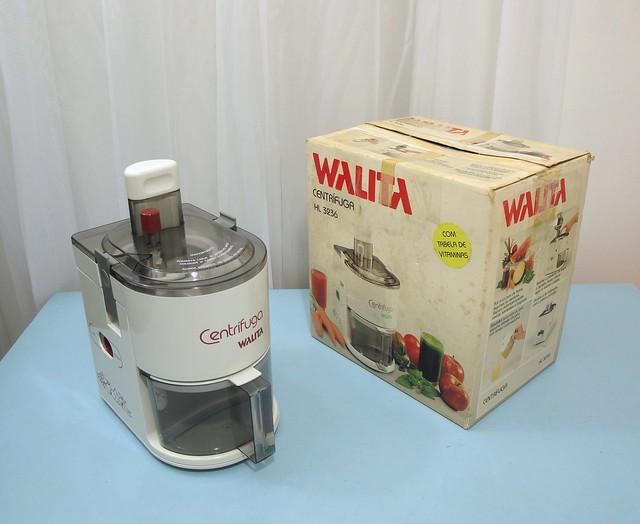 1989 Philips' Walita Centrifuga juicer HL3236