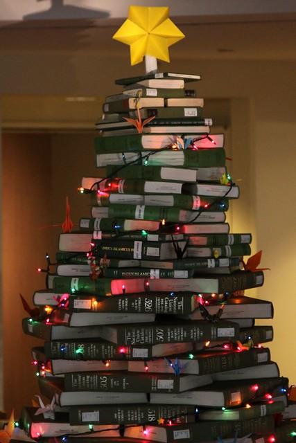 NUC Christmas Tree 2010_03