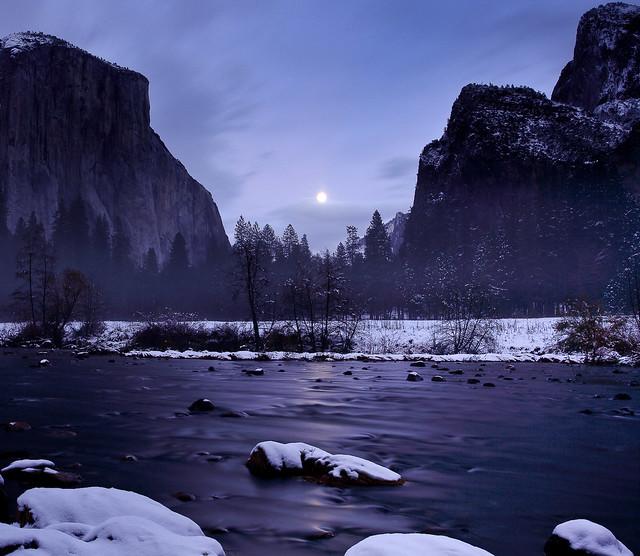 Gates of the Valley Moonrise, Yosemite National Park