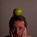 Ceci n'est pas une pomme. by Lou FCD