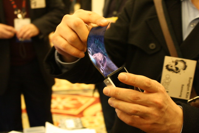 Flexible Amoled Samsung Mobile Display CES-2011