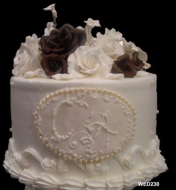 WED230 round wedding cake with monogram and sugarpaste flowers 230 217