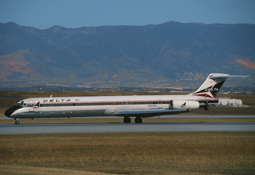 Delta Air Lines MD-88; N909DL@COS, February 1997/ DFR