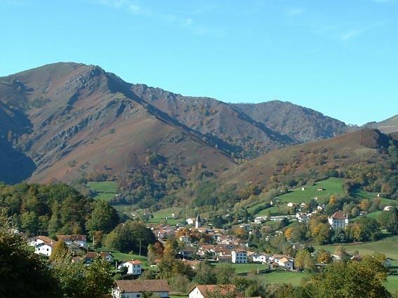 Village de saint etienne de baigorry pays basque pyr n es - Office de tourisme pyrenees atlantiques ...