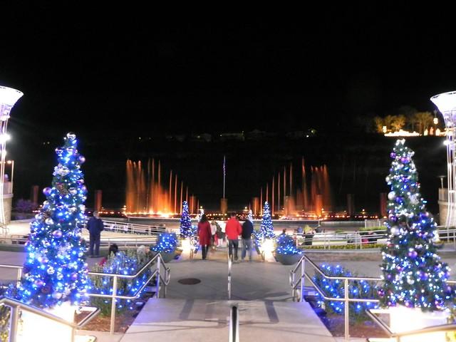 Branson Landing | Christmas lights at the Branson Landing B ...