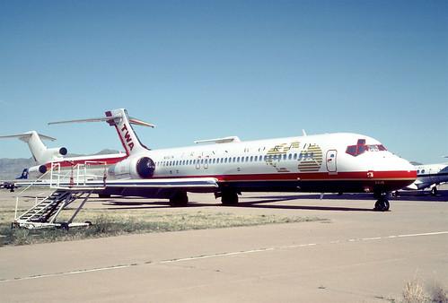 TWA Boeing 717-231; N416TW@IGM, April 2001/ COX