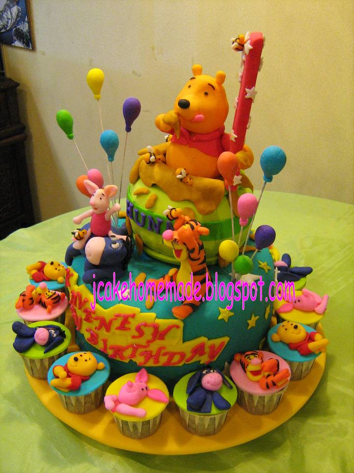 Winnie The Pooh Birthday Cake A Photo On Flickriver
