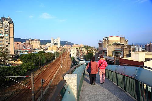 GD24鶯歌陶瓷老街陸橋