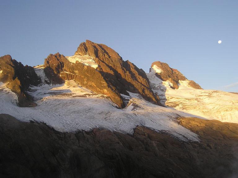 Guided Ecuador Climbs And Expeditions El Altar