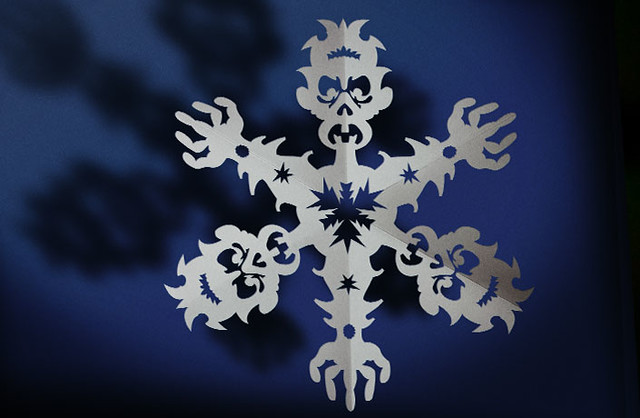 Zombie Snowflake Papercraft (cleaned)