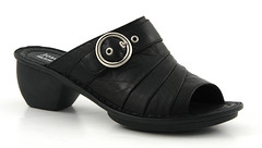 outdoor shoe(0.0), textile(0.0), brown(0.0), limb(0.0), human body(0.0), slip-on shoe(0.0), footwear(1.0), shoe(1.0), leather(1.0),