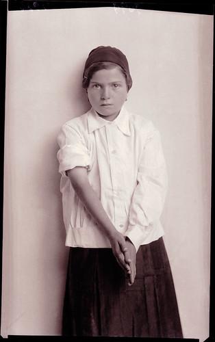 Ascoli com'era: gente d'Ascoli, adolescente (1934)