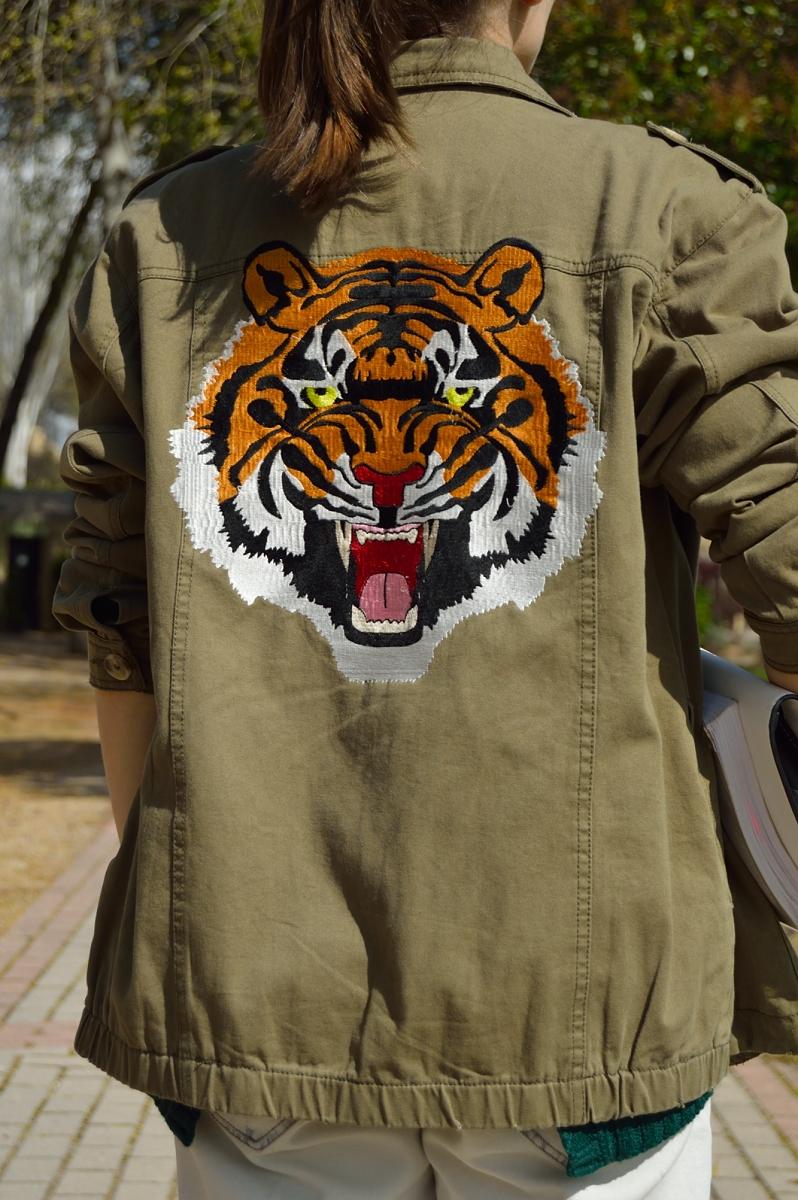 lara-vazquez-madlulablog-tiger-jacket