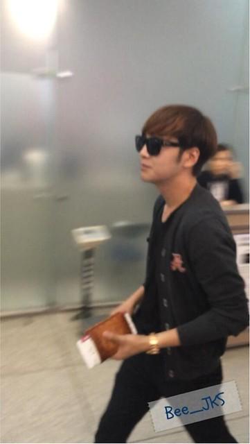 [Pics] JKS departs from Seoul to Beijing_20140425 14016124522_6c10103fd9_z