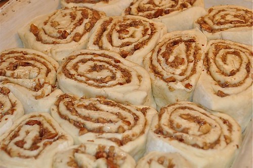 cinnamon buns/rolls in pan-5