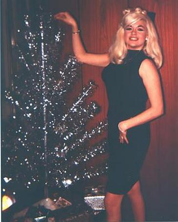 Christmas Cocktail Capers 2010: A Jayne Mansfield Xmas