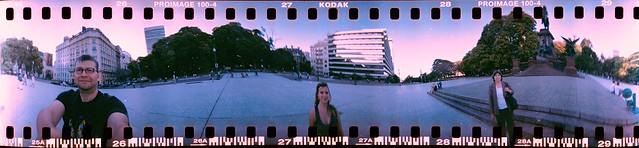 En la Plaza San Martín con Spinner 360°, Buenos Aires, Argentina 2010