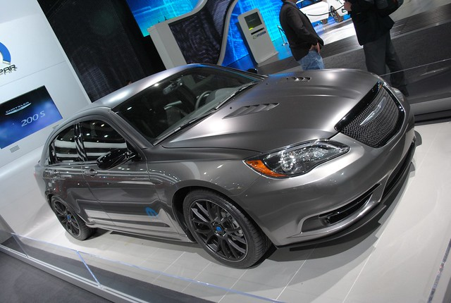 2011 Detroit: 2011 Chrysler 200 Super S