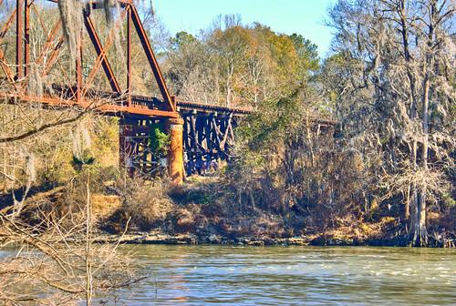 bridge horse water animal river georgia rust rusty rusted albany railroadbridge horseback hdr flintriver railroadtrestle downtownalbany doughertycounty thesussman sonyalphadslra200